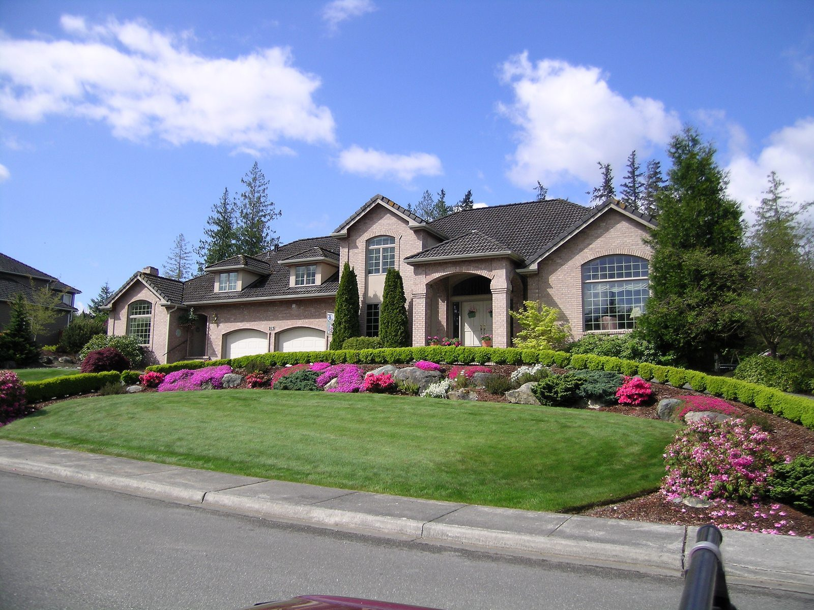 Landscaping Tips From the Pros - Charlotte Home Sales